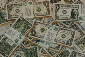 ドルで発生している報酬の仕訳や記帳と確定申告の注意点!