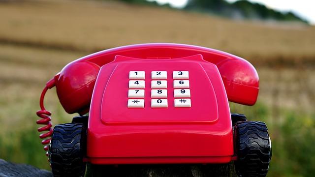 特定商取引法の電話番号・住所・名前は個人事業主でも必要なのか?